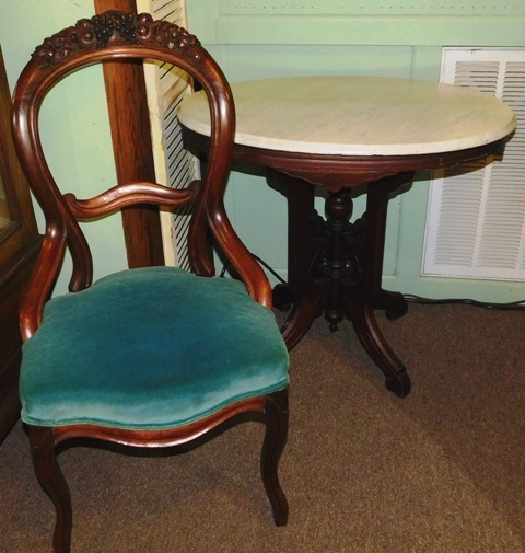LATE 1800's OVAL WAL. VICTORIAN LAMP TALBE + SIDE CHAIR