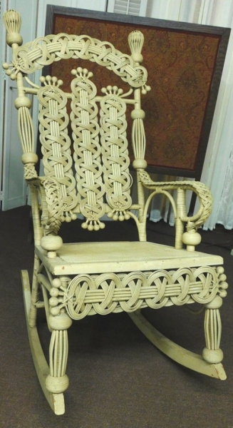 LATE 1800's VICTORIAN WICHER ROCKER (GREAT CONDITION)