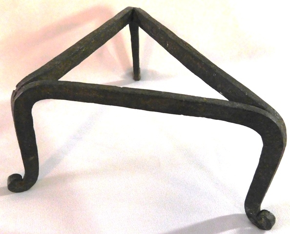 BLACKSMITH MADE TRIANGULAR POT TRIVET