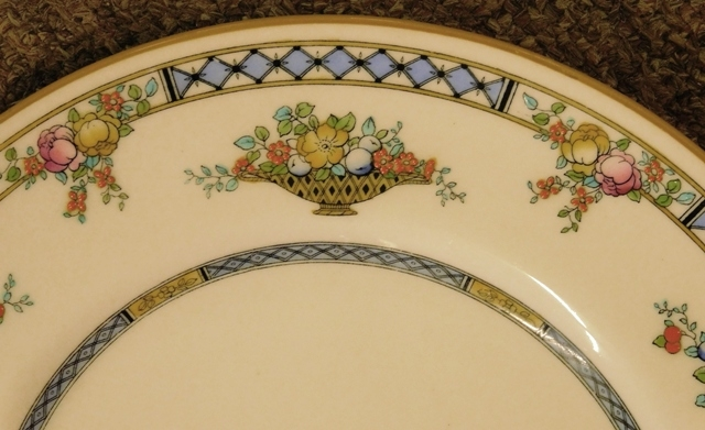 View 2~SET 12 ROYAL DOULTON HANDPAINTED DINNER PLATES