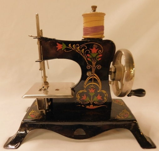 CASIGE-GERMAN MINIATURE SEWING MACHINE, GREEN WITH TULIPS & GOLD DECORATION