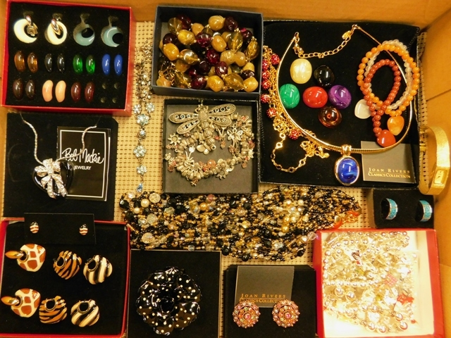 COLLECTION NEW COSTUME JEWELRY (Joan Rivers, Bob Machie, etc)