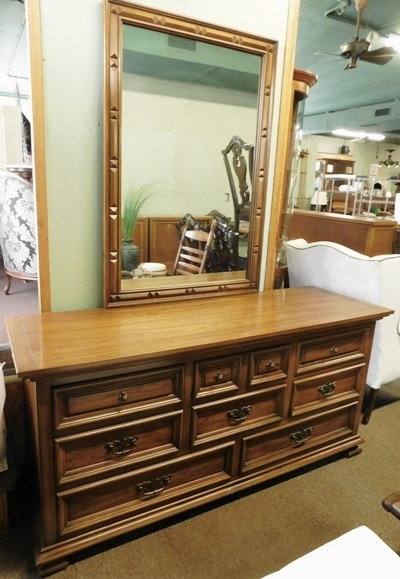 Thomasville   8-drawer Dresser