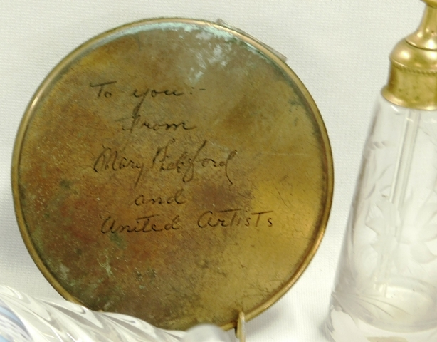 PERFUME BOTTLE & COMPACT COLLECTION WITH ROUND BRASS...
