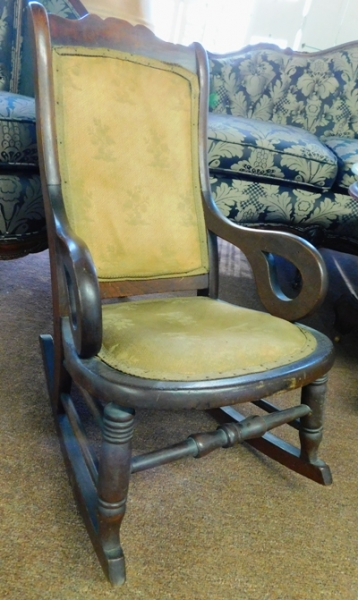 CHILD'S LINCOLN STYLE ROCKER, CIRCA 1900