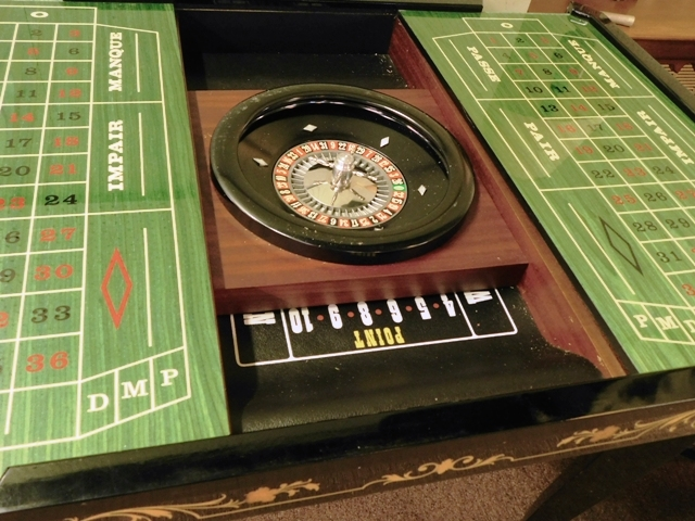 #5~ITALIAN SORRENTO MARQUETRY GAME TABLE