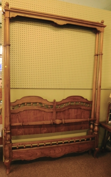 DOUBLE-SIZE CANOPY BED (Includes Coverlet & Pillow Shams)