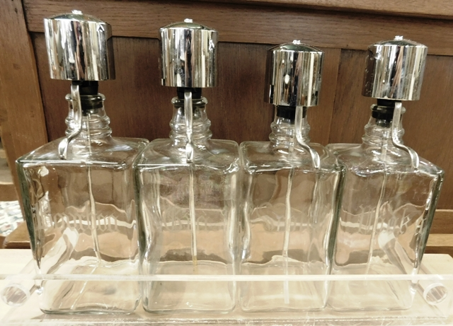SET 4 BAR LIQUOR BOTTLES, PUMP LIDS