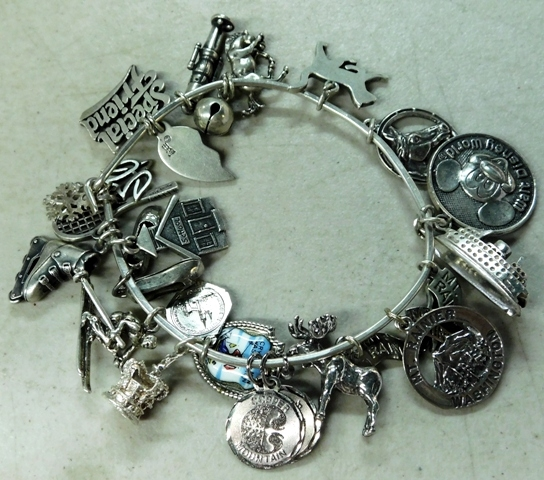 SILVER WIRE BRACLET WITH CHARMS