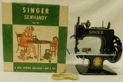 "SINGER ""SEW HANDY - NO. 20"" TOY SEWING MACHINE"