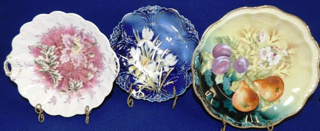HANDPAINTED & TRANSFERWARE VINTAGE CHINA PLATES