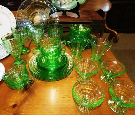 GREEN BLOCK OPTIC DEPRESSION GLASSWARE, APX 35 PCS.