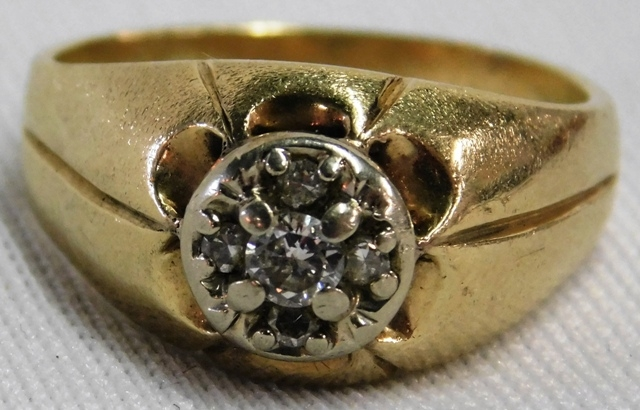 14K GOLD MAN'S DIAMOND RING