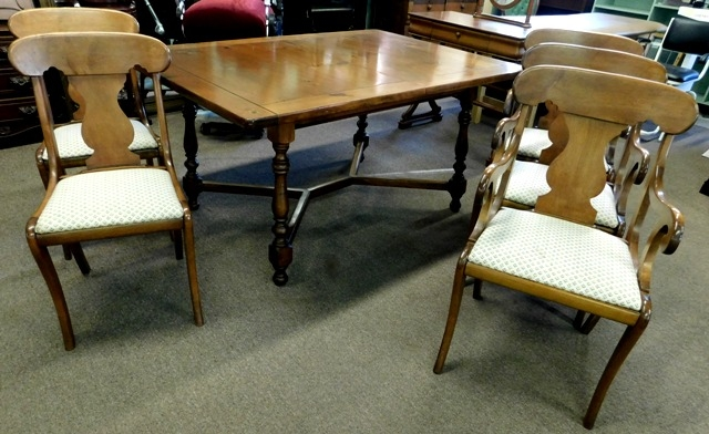 "60X42"" PINE DINING TABLE, 3 LEAVES + 5 SPLAT-BACK CHAIRS"