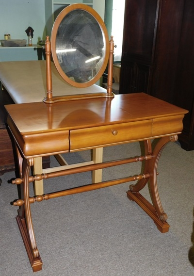 DRESSING TABLE W/OVAL FRAMED SWING MIRROR