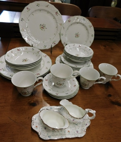 ROYAL DOULTON-AUIGNON DINNERWARE