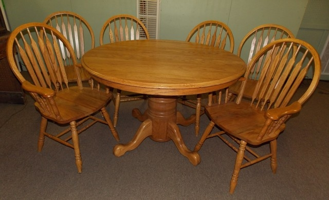 """47"""" ROUND OAK DINING TABLE + 6 CHAIRS"""