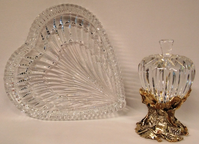 WATERFORD CRYSTAL HEART-SHAPED DISH + APPLE