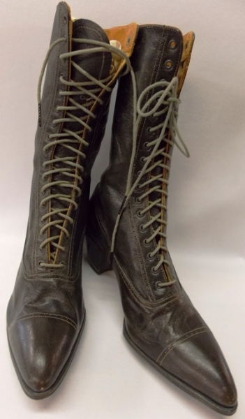 1800's BROWN LEATHER HIGH TOP LADIES SHOES.. Never Work!