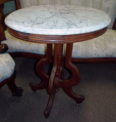 LATE 1800'S WALNUT VICTORIAN OVAL SIDE TABLE, WHITE MARBLE TOP