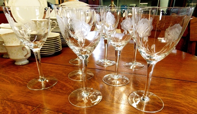"""EIGHT 7-1/2"""" ETCHED CRYSTAL STEMWARE"""