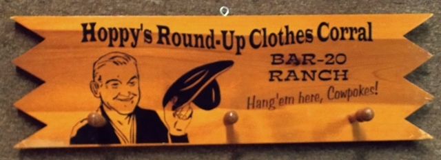 HOPPY'S ROUND-UP CLOTHES CORRAL WALL RACK