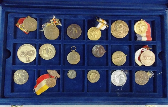 COLLECTION 32 WATCH FOBS, SERVICE MEDALS, TOKENS