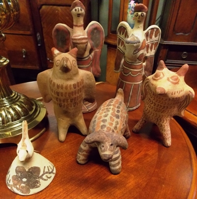 SOUTHWEST INDIAN POTTERY FIGURINES