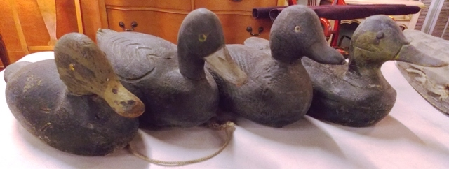 1940'S WOOD CARVED DUCK DECOYS