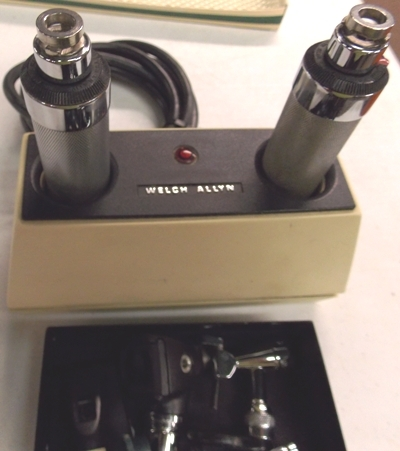 WELCH ALLYN CHARGER WITH SCOOPS