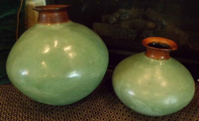 HAND MADE, SIGNED POTTERY VASES FROM PERU