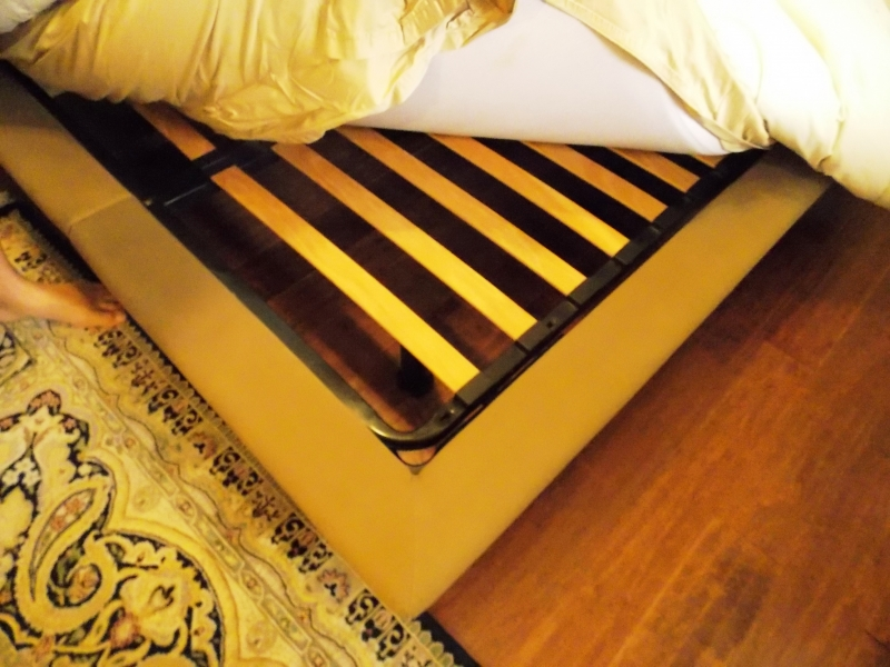 VIEW 2~PETER MALY DOUBLE-SIZE BED