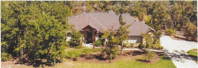 INDIAN LAKES HOME TO BE AUCTIONED