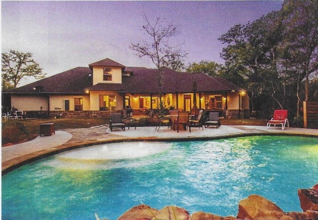 Back View~INDIAN LAKES HOME TO BE AUCTIONED