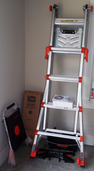 LITTLE GIANT EXTREME LADDER SYSTEM + ACCESS.