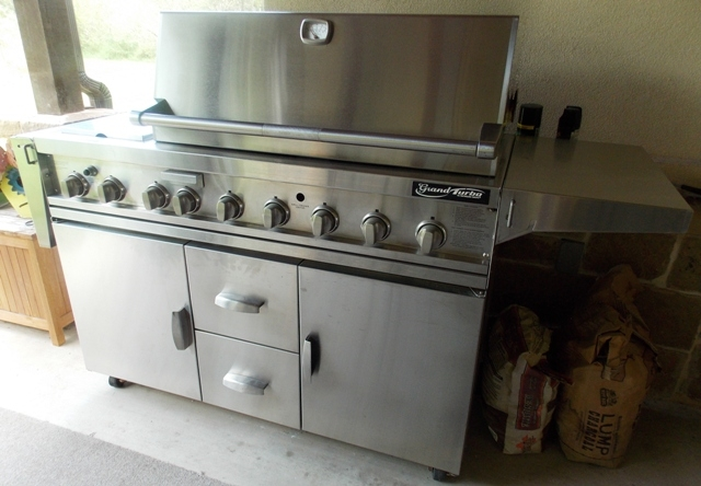 Grand Turbo by Barbequeres Galore Stainless Grill