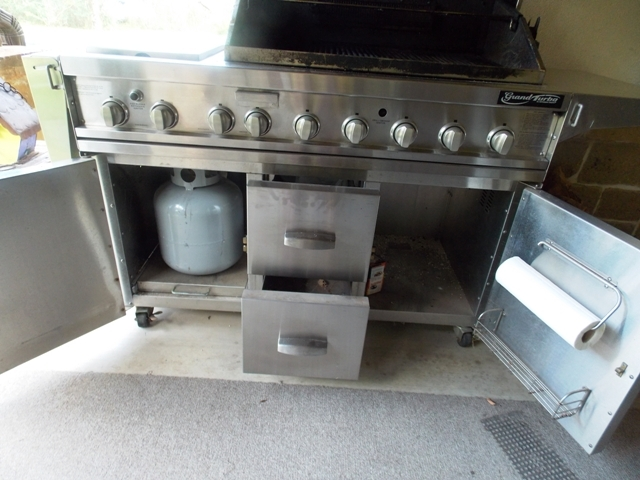 View 5~Grand Turbo by Barbequeres Galore Stainless Grill