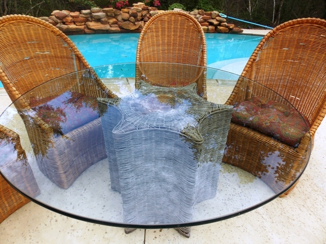 VIEW 2~WICKER CHAIRS & STAR FISH TABLE BASE W/GLASS TOP