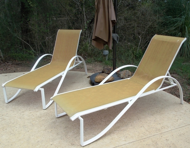 2 OF 3 METAL/MESH PATIO CHAISE