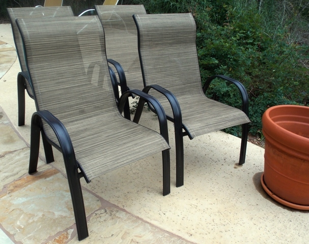 4 OF 6 METAL/MESH ARM CHAIRS