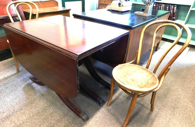 MAHOGANY DUNCAN PHYFE STYLE DROP LEAF TABLE + PAIR BENTWOOD...