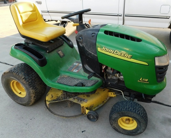 "JOHN DEERE L118 AUTOMATIC LAW MOWER, 42"" CUT, WORKING CONDITION"