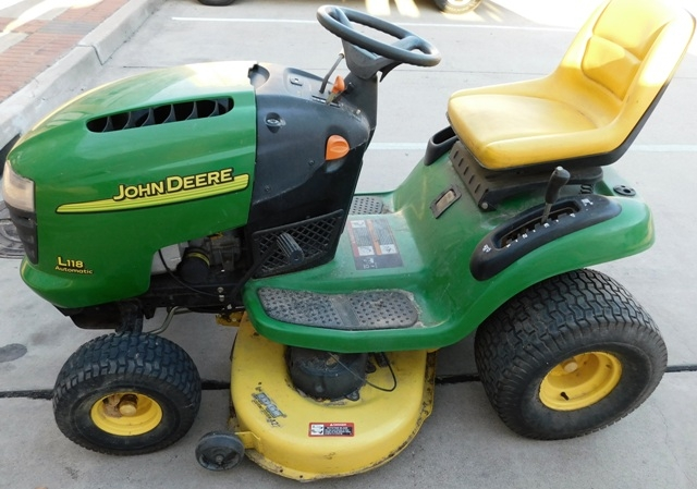 "View 2~ JOHN DEERE L118 AUTOMATIC LAW MOWER, 42"" CUT, WORKING CONDITION"