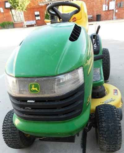"View 3~ JOHN DEERE L118 AUTOMATIC LAW MOWER, 42"" CUT, WORKING CONDITION"