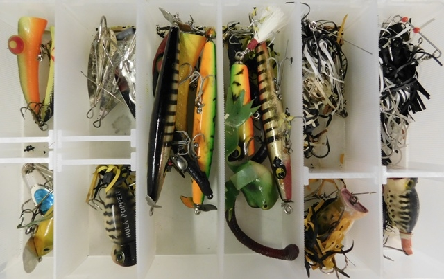 COLLECTION FISHING LURES