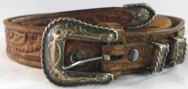 FRITCH BROS. STERLING, GOLD & RUBY 4-PC BUCKLE SET ON TOOLED LEATHER BELT