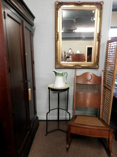 METAL WASHSTAND & PITCHER SET + GILT FRAMED BEVELED MIRROR +