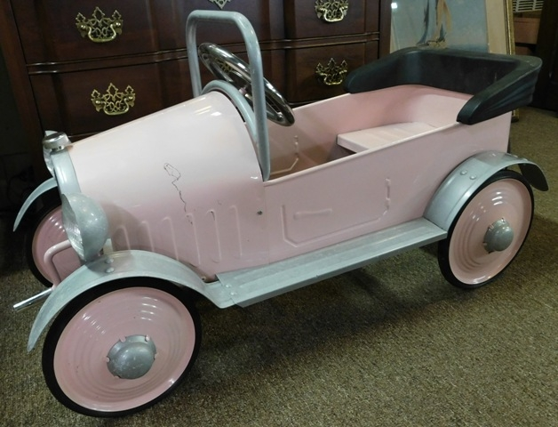 CHILDS PINK PEDAL CAR