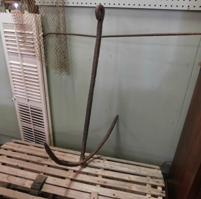 LARGE VINTAGE IRON ANCHOR