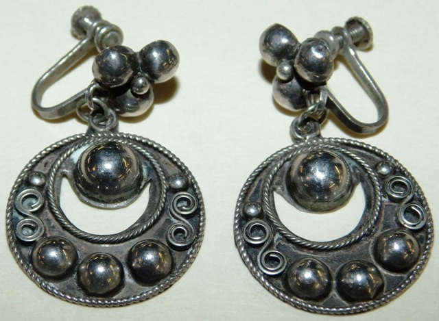 MEXICO SILVER SCREW-BACK EARRINGS